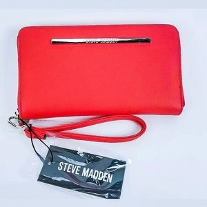 Steve Madden BZIPPY Wallet Wristlet in Red